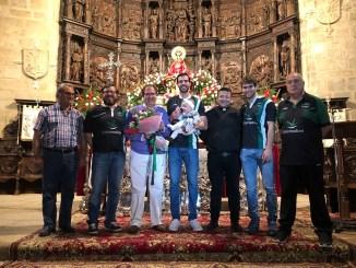 El Cáceres realiza su ofrenda a la patrona de la ciudad