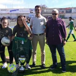 El CP Cacereño homenajeó a las campeonas de la copa Federación Femenina el CF Femenino Cáceres (3)