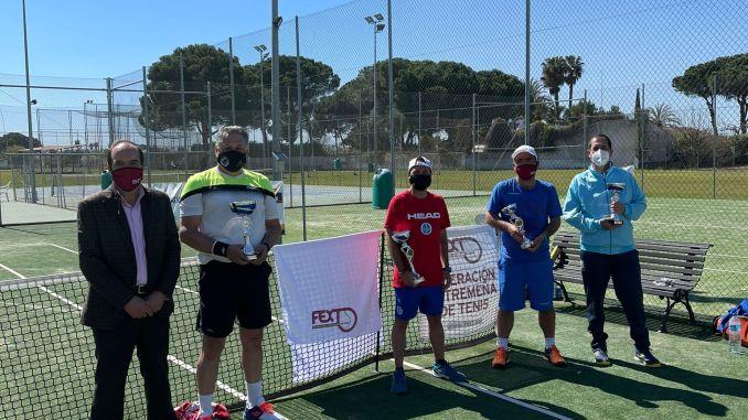 Extremadura ha puesto en marcha el I CIRCUITO SENIOR DE TENIS