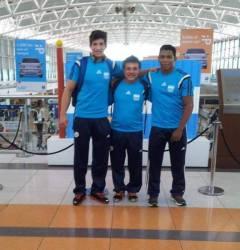 Ricardo Báez, Fernando Rittner y Wilson Medina, en Ezeiza antes de partir hacia Rusia