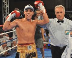Castaño ganador vs Javier Andino