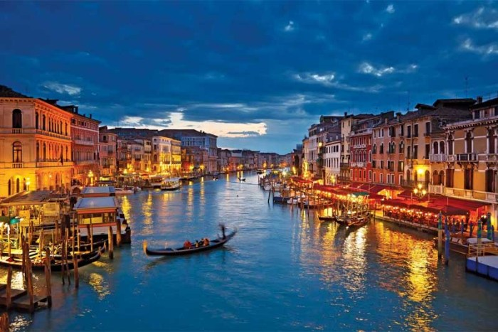 venice-beautiful-places-in-italy