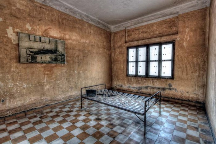 tuol-sleng-genocide-museum-historic-prisons