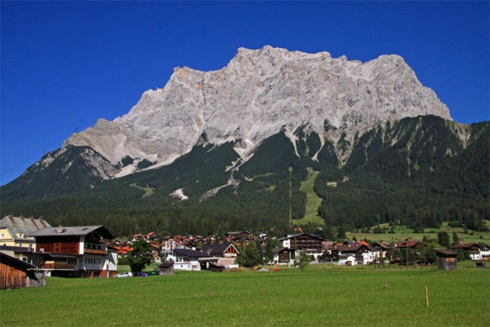 zugspitze-massif-beautiful-places-in-germany