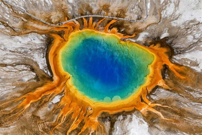 yellowstone-caldera-famous-volcanoes