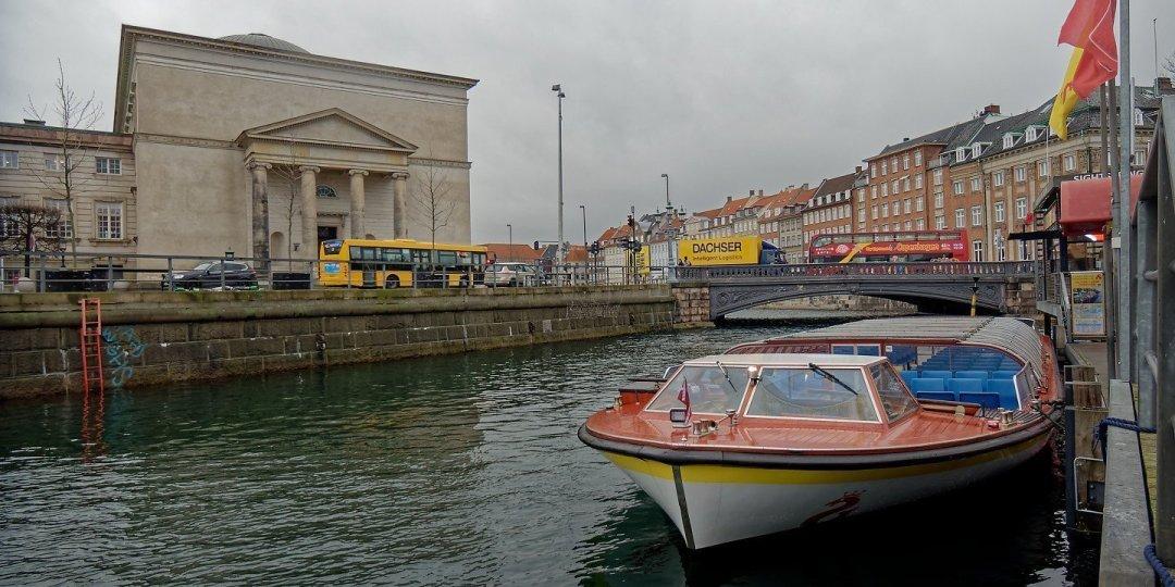 Embarcando en Ved Stranden