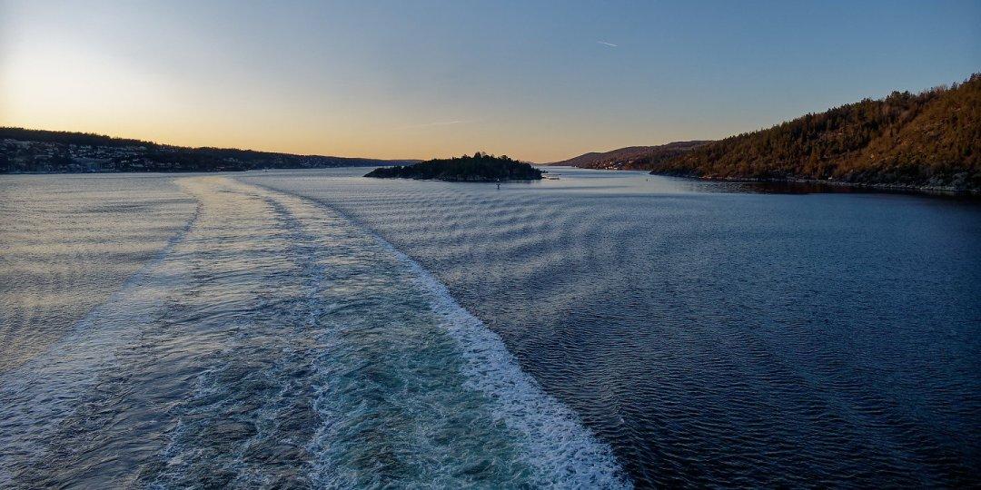 Al este de Håøya