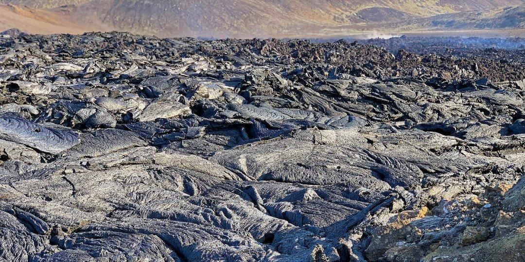 Lava sobre Syðri-Maradalur