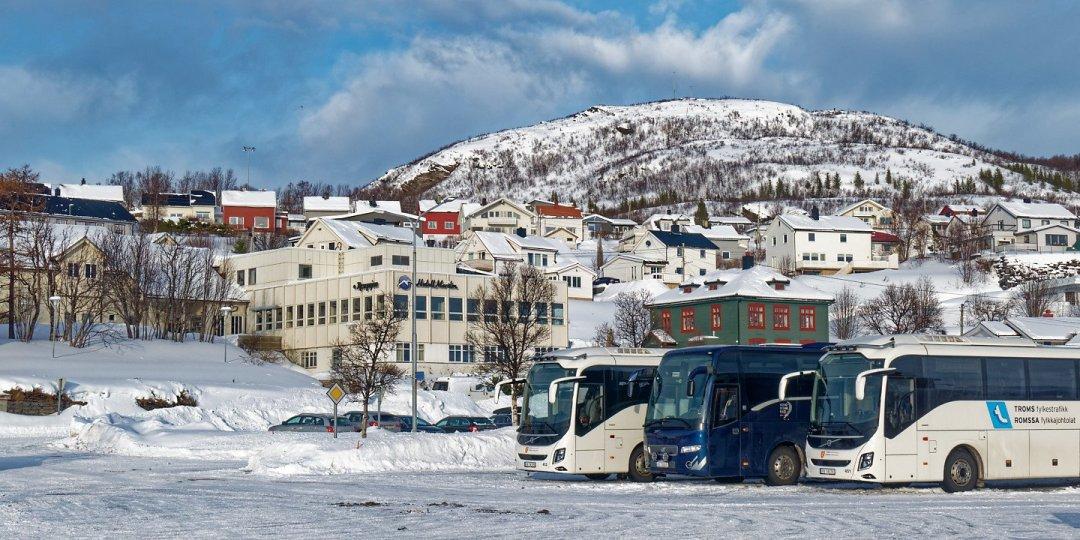 Autobuses en Skjervøy