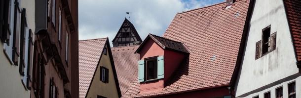 Fotodingens – Häuser in Frakturschrift