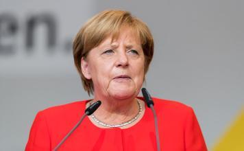 出典:|Wikipedia CC BY-SA 4.0|https://commons.wikimedia.org/wiki/File:Angela_Merkel_-_2017248170623_2017-09-05_CDU_Wahlkampf_Heidelberg_-_Sven_-_1D_X_MK_II_-_150_-_B70I6066.jpg#/media/File:Angela_Merkel_-_2017248170623_2017-09-05_CDU_Wahlkampf_Heidelberg_-_Sven_-_1D_X_MK_II_-_150_-_B70I6066.jpg