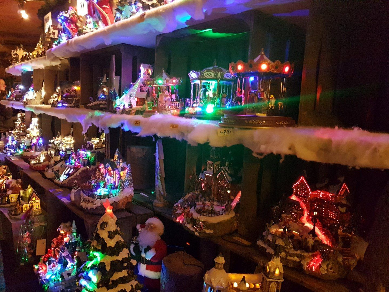 weihnachtsmarkt in der fluweelengrotte in kerststad valkenburg niederlande. Black Bedroom Furniture Sets. Home Design Ideas