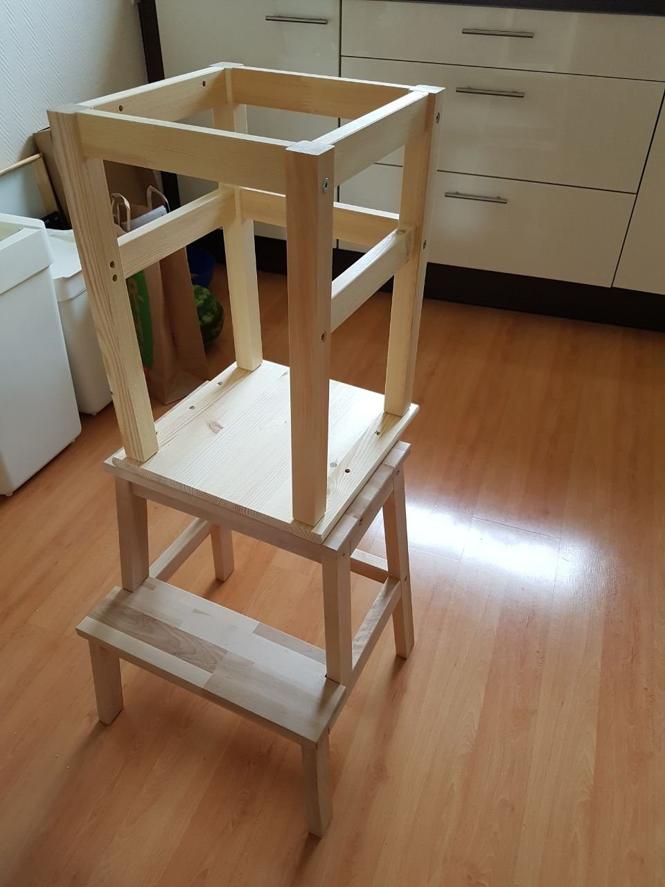 learning tower lernturm lernhochstuhl selbst gemacht mit ikea hocker m bel. Black Bedroom Furniture Sets. Home Design Ideas