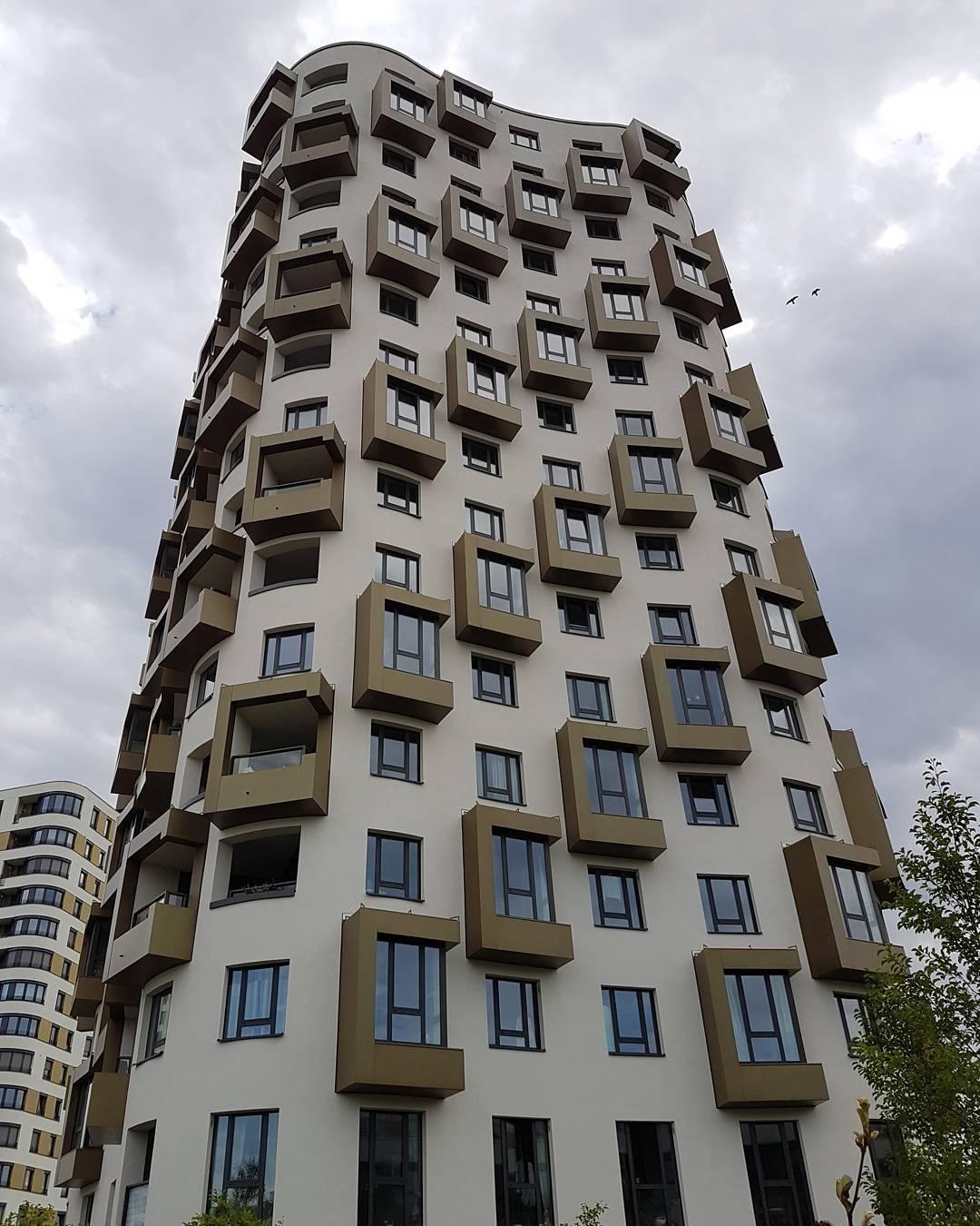 Komische neue Hochhäuser hier in München.com