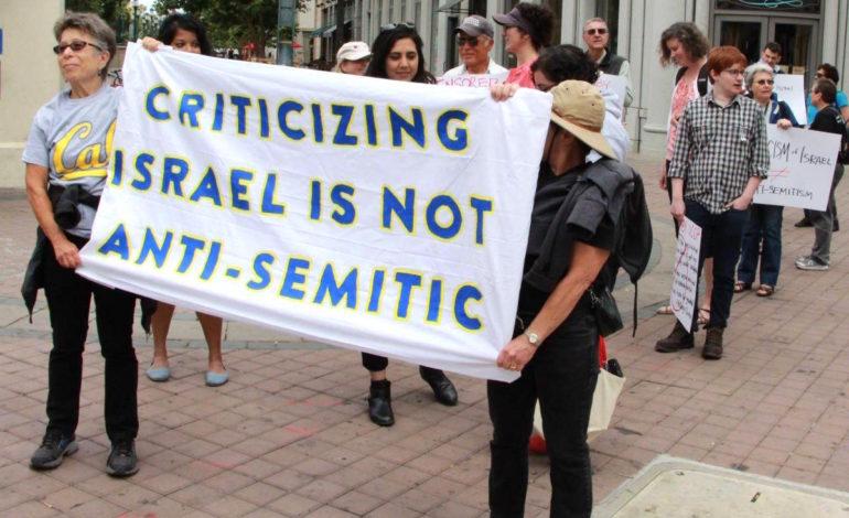 Den tyske forbundsdagen vedtar en lov som sier at kritikk av Israel er antisemitisme.
