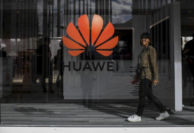 Storbritannia vil bruke Huawei-teknologi i 5G-utbyggingen. Det er et slag i ansiktet til USA.