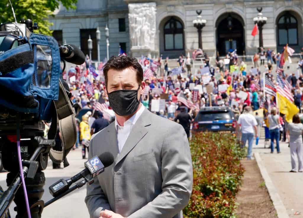 I Pennsylvania har fork fått nok av innestengning og ansiktsmasker.