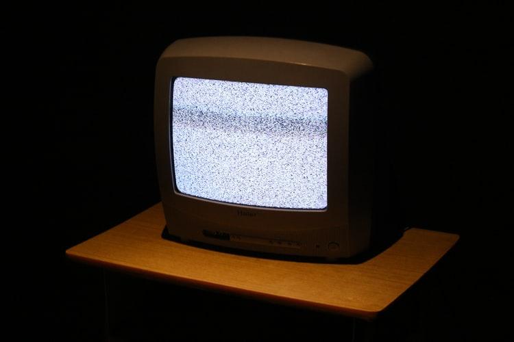 Ukraina stenger tre kritiske TV-kanaler.