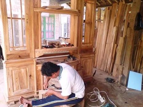 Warso Pengusaha Furniture Sirongge Desa Dermaji