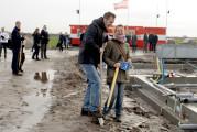 Toekomstige bewoners de Heemweide fase 1 in Zuidpolder Eemnes ontmoeten elkaar tijdens nieuwjaarsborrel