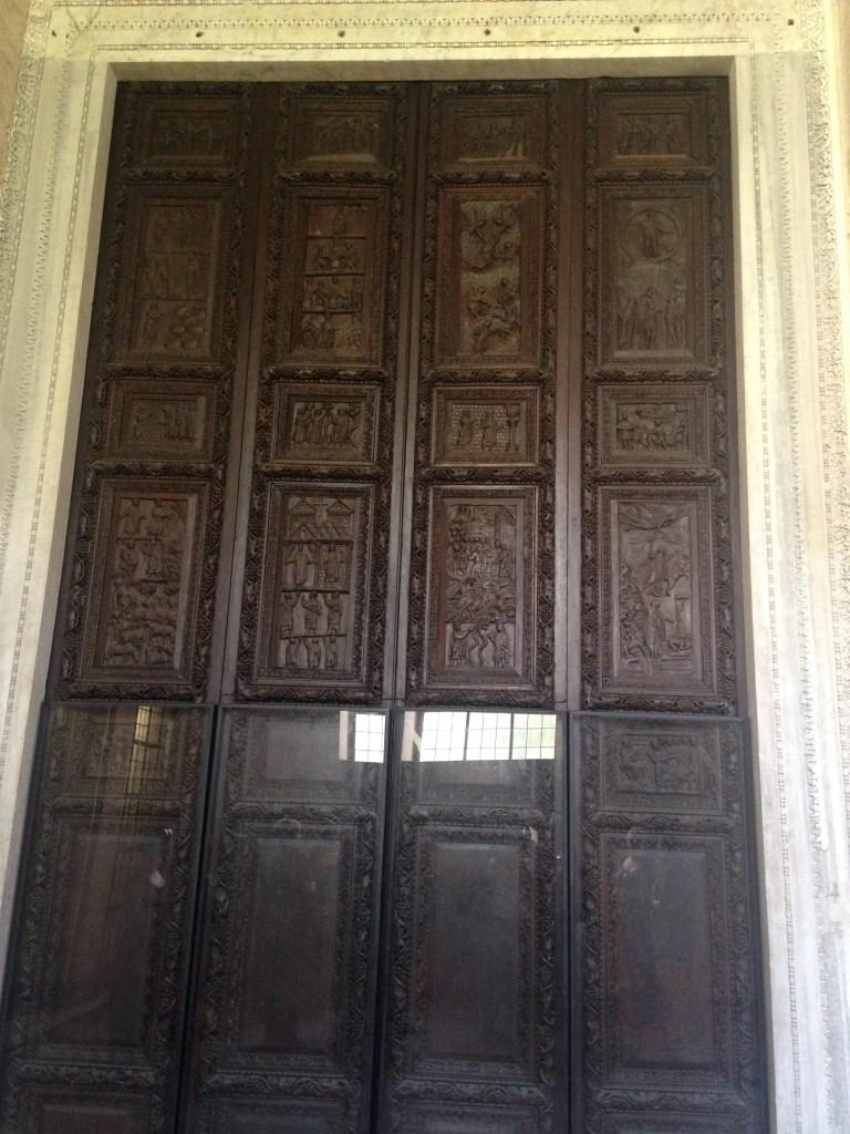 Porte de la basilique Santa Sabina