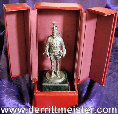 HUSSAR STATUE - DELUXE LEATHER PRESENTATION CASE - Imperial German Military Antiques Sale
