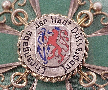 PATRIOTIC PENDANT - DÜSSELDORF - Imperial German Military Antiques Sale