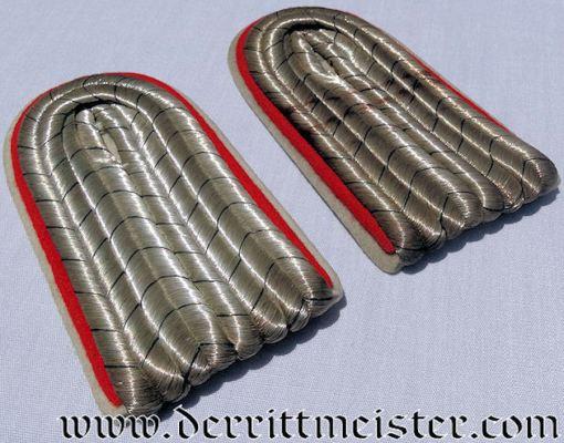 PRUSSIA - SHOULDER BOARDS -  LEUTNANT'S  - REGIMENT der GARDES du CORPS - Imperial German Military Antiques Sale