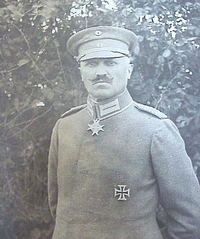 LARGE FORMAT WARTIME AUTOGRAPHED PHOTOGRAPH OF A POUR LE MÉRITE WINNER - Imperial German Military Antiques Sale