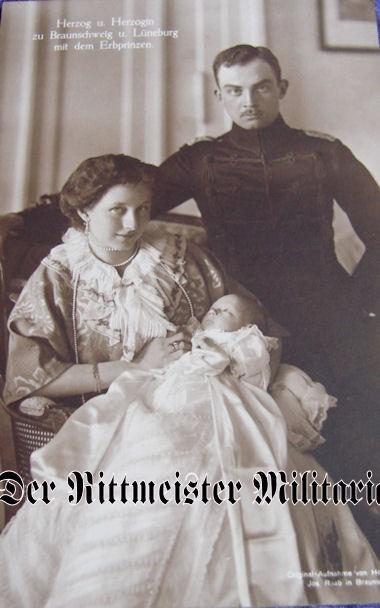 POSTCARD - DUKE ERNST AUGUST - DUCHESS VIKTORIA LUISE - BRAUNSCHWEIG - ONE CHILD - Imperial German Military Antiques Sale
