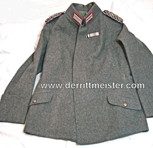 PRUSSIA - TUNIC - GENERALARTZ - M-1915 - FELDBLUSE  - FELDGRAU - Imperial German Military Antiques Sale