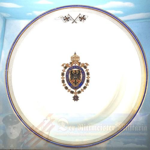 DINNER PLATE - KAISER WILHELM II's PERSONAL DINNER SERVICE ABOARD NAVAL VESSELS - Imperial German Military Antiques Sale