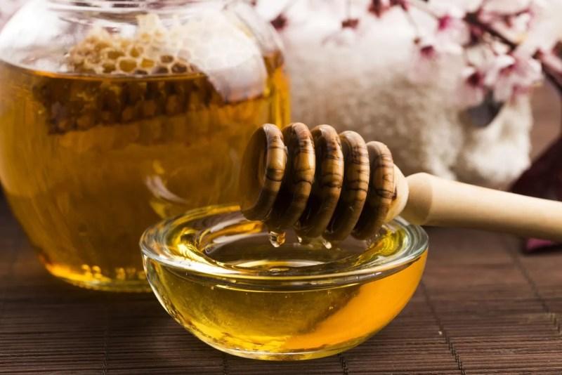Il miele: dolcificante naturale dalle mille virtù