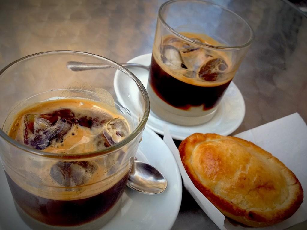 caffè nelle regioni italiane: caffè con latte di mandorla puglia salento