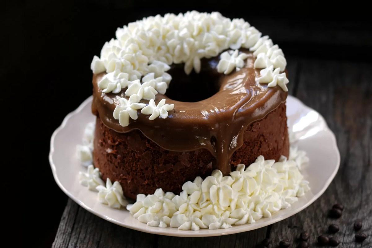 Chiffon Cake al Caffè con Panna - Alta e Fluffosa
