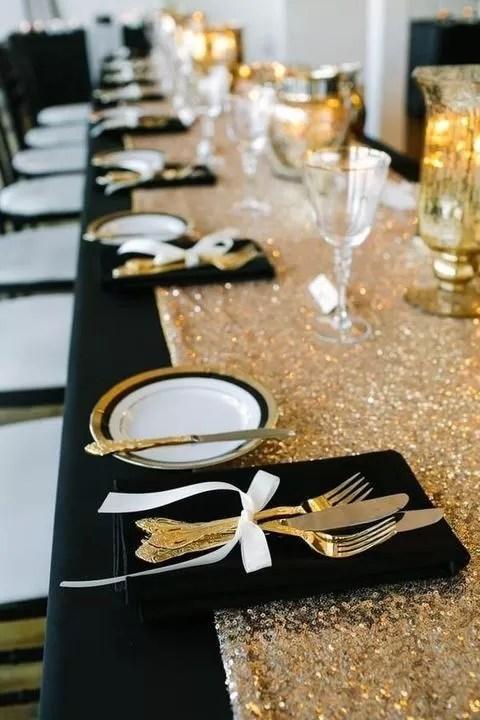 tavola di natale di lusso in oro nero e bianco