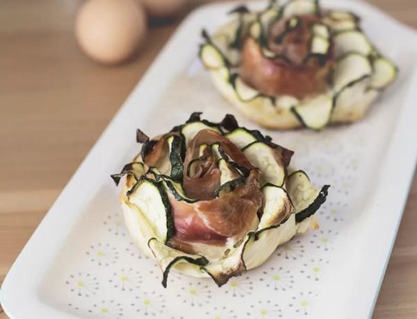 Rose di sfoglia salate con zucchine e speck: fragranti, sfiziose e... facilissime!