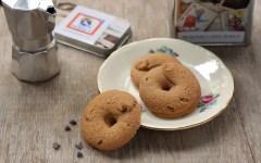Biscotti al caffè e gocce di cioccolato