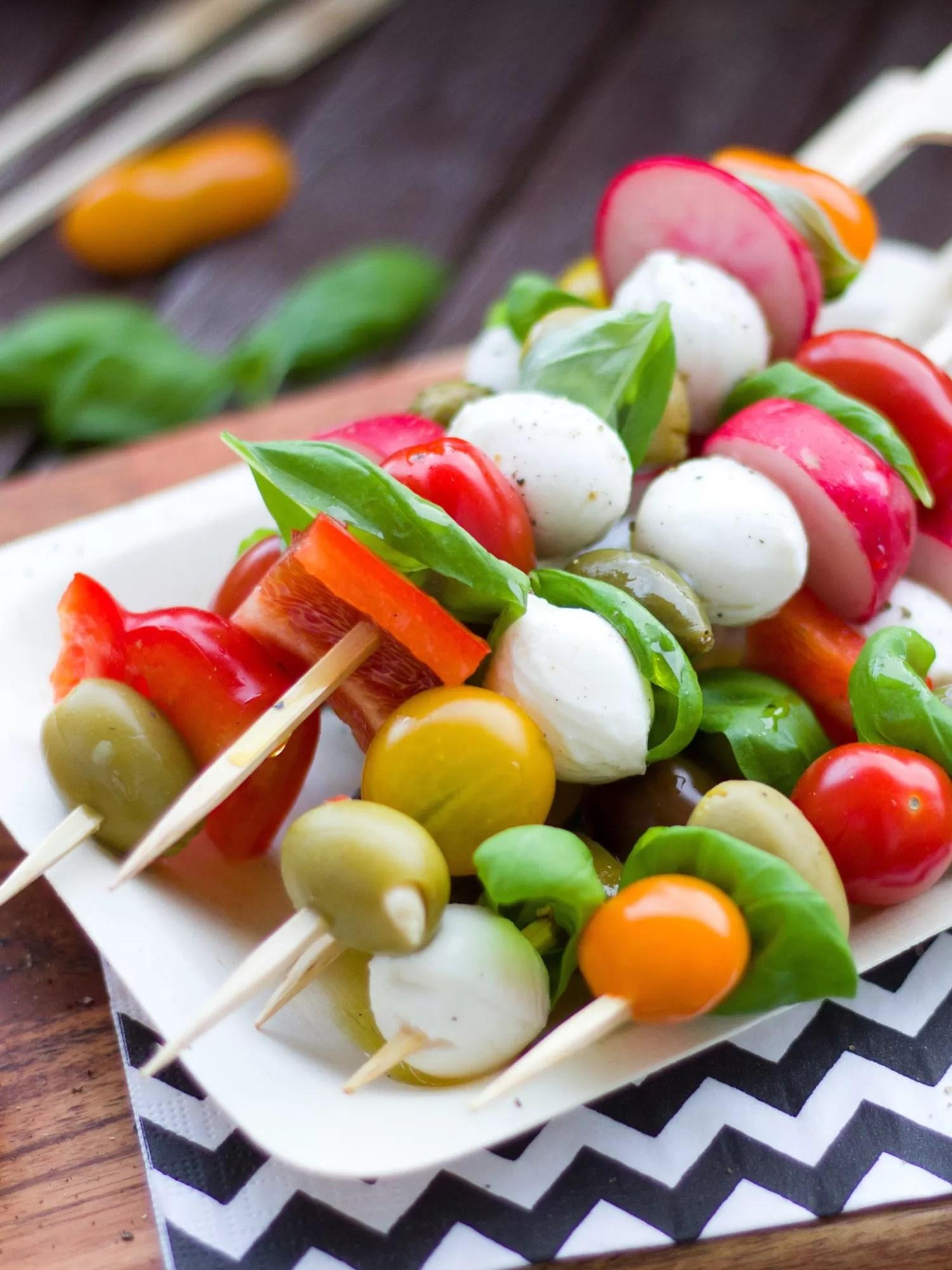 finger food da abbinare al prosecco extra dry dersut - spiedini di verdure e mozzarella