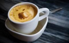 Uovo sbattuto al caffè