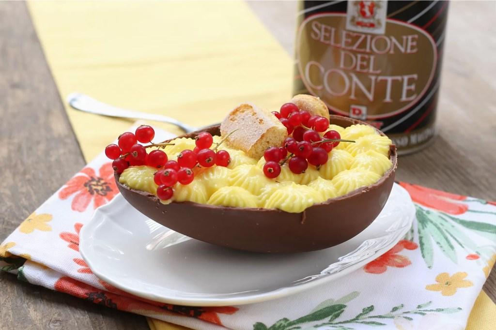 Uovo di cioccolato ripieno