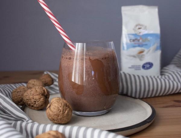 Milkshake proteico al caffè, banana e cacao