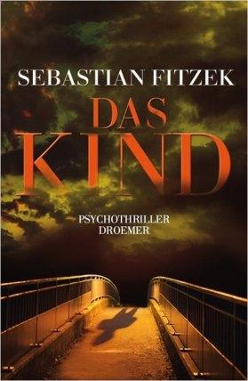 Schenken Freunde mir Bücher, dann landen die meisten Bücher in meinem Regal. Ungelesen, denn uninteressant. Also habe ich mit etas Skepsis zu diesem Buch gegriffen und war von den ersten Seiten an überrascht. Die Story fesselte mich sofort. Sebastian Fitzek schreibt klar, eindrucksvoll und wortgewandt. Schon seit Jahren habe ich nicht mehr so einen spannenden Thriller aus der Feder eines deutschen Autors gelesen. Und nun, drei Tage nachdem ich das Buch aufschlug, um es zu lesen, halte ich es in meinen Händen und bin begeistert. Die Geschichte spielt in Berlin. Deshalb fiel es mir sehr leicht, den Schilderungen bestimmter Orte in Berlin zu folgen und mir mein eigenes Bild im Kopf zu malen. Die Geschichte ist vielschichtig, verliert aber nie den roten Faden. Und ganz zum Schluss - wer hätte das gedacht - wendet sich die Perspektive auf die schon fast vollkommen erzählte Geschichte erneut, und das verblüffende Ende nimmt seinen Lauf. Kurz und knapp: Kaufen, lesen, gruseln und genießen. Ein tolles Buch für verregnete Wochenenden.