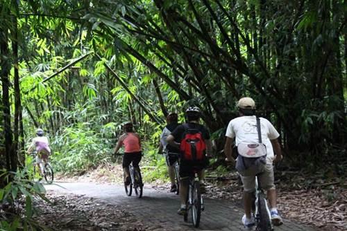 Cycling di Bali Desa Penglipuran