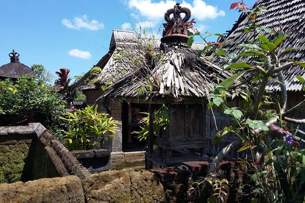 Harga Tiket Masuk Desa Penglipuran Bali - Atap Bambu