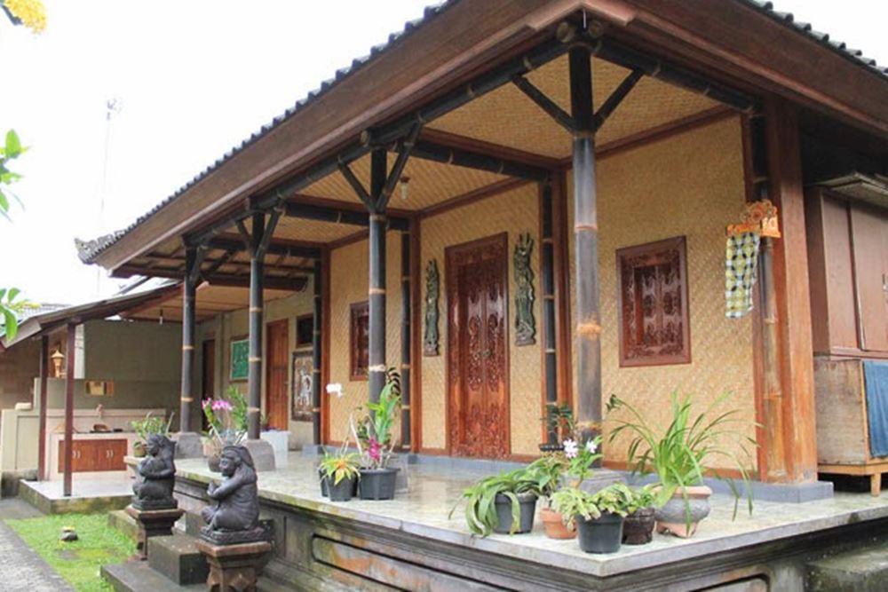 Moneng Homestay Desa Penglipuran Bangli Bali - Depan