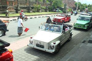 Transport Service Desa Penglipuran - VW Safari 02