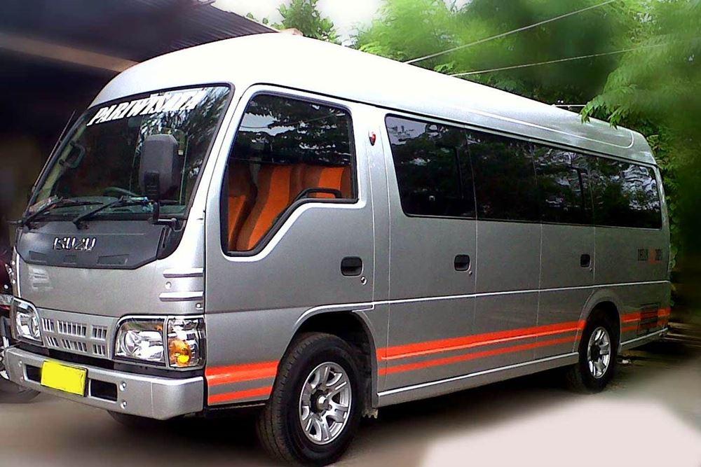 Transport Service Isuzu Elf Desa Penglipuran 02