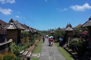 Team Building di Desa Penglipuran Bali - Jalan Rumah Tradisional