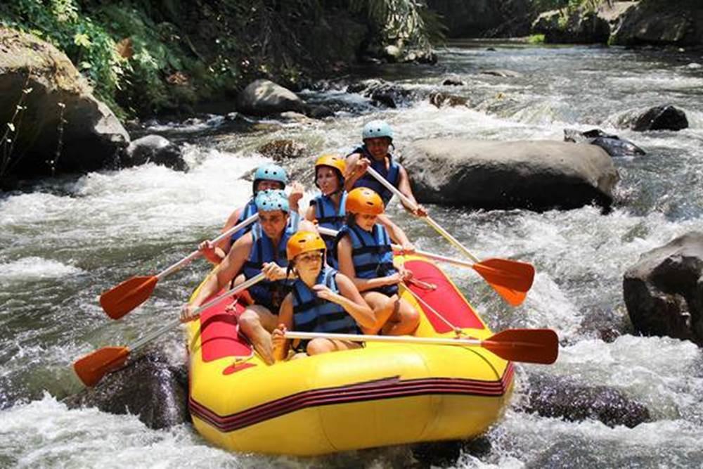 Wisata Desa Penglipuran Bali - 2D 1N Tour & Ayung Rafting - Sungai
